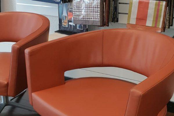 leerbewerking-dordrecht-oranje-stoel2