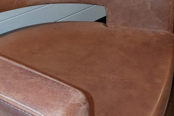 leerbewerking-dordrecht-oranje-stoel3
