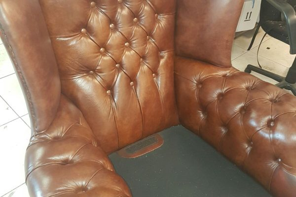 vulling-chesterfield-stoel-bruinv3